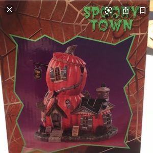 Lemax Spooky Town Squash Shack Halloween
